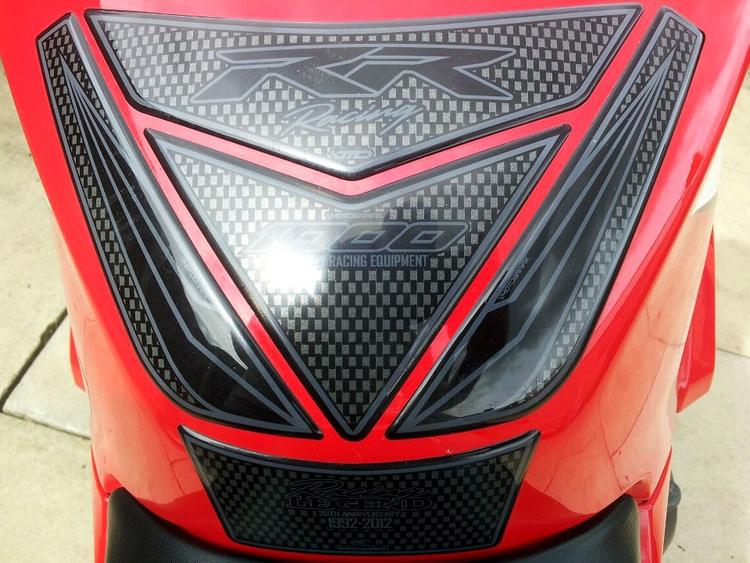 Honda Cbr1000rr 2012 Black Motografix Tank Pad Th019kk