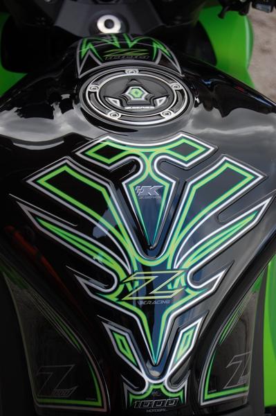 Kawasaki Z1000sx Black Motografix Tank Pad Tk016k Msa