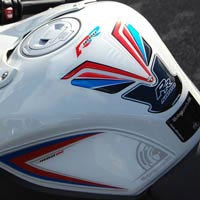BMW S1000RR Motografix knee boards and tank pad